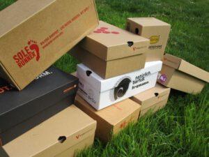 Barfußschuhe in Kartons - In welchem steckt der richtige Barfußschuh für dich?