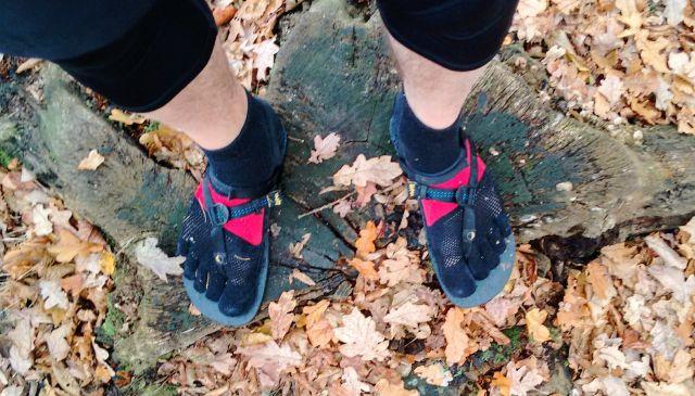Luna Sandals im Wald