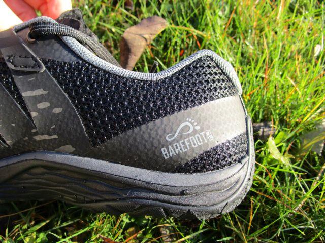Merrell Trail Glove Fersenbereich von der Seite gesehen