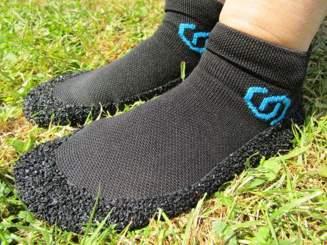 Skinners Barfußschuhe in schwarz mit blau