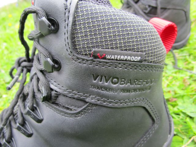 Obermaterial des Vivobarefoot Tracker Firm Ground am Schaft