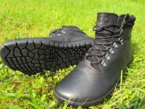 wasserdichter Barfuß-Wanderschuh aus schwarzem Leder