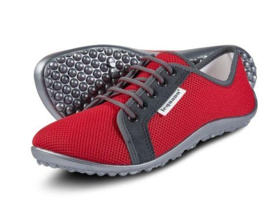 Rote Barfußschuh-Sneaker aus luftigem Mesh